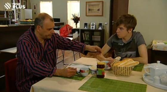 Čestmír Mázl při rodinné snídani.