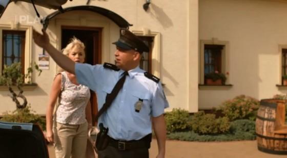 Policista Tauš bude mít dnes hodně práce.